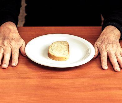 Waloryzacja bez podatku - to dobra wiadomość dla seniorów. Żywność drożeje szybciej niż cokolwiek innego