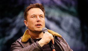 Zdaniem Elona Muska kolonizacja Księżyca będzie o wiele trudniejsza niż Marsa