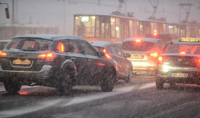 Jak szybko jeździmy zimą w miastach?