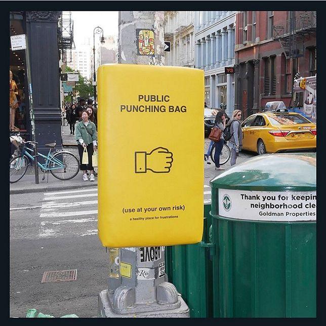 Sposób na wyładowanie złości. W Nowym Jorku można to robić na ulicy