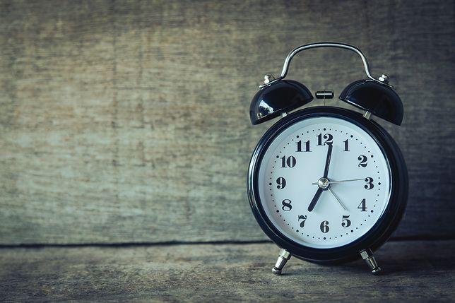 Skąd się wzięła zmiana czasu?