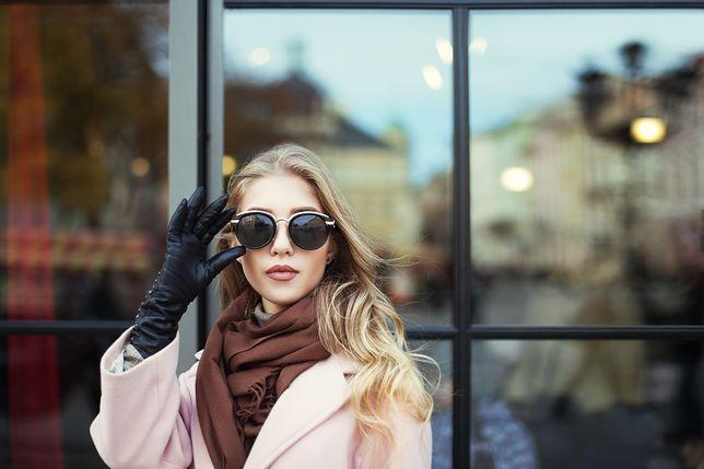 10 pomysłów na prezent dla miłośniczki mody. Tym na pewno się zachwyci!