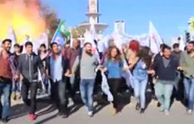 Kamera zarejestrowała moment eksplozji w Ankarze. Zobacz nagranie