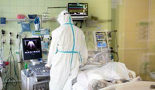 Duży wzrost liczby ofiar koronawirusa w Polsce. Rzecznik Ministerstwa Zdrowia podał liczbę