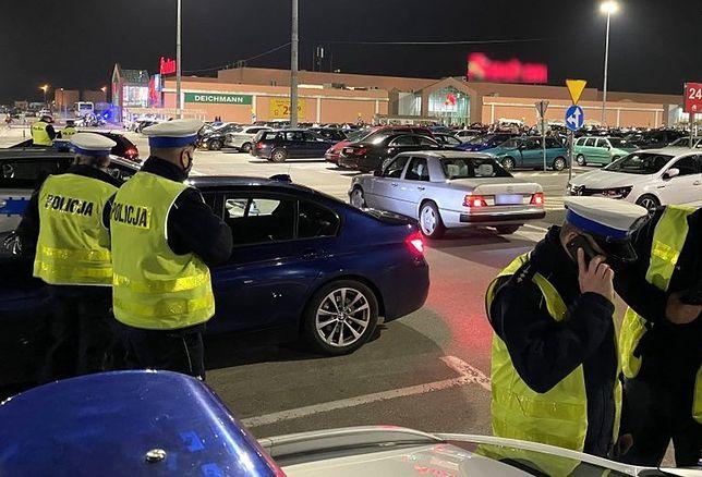 Śląskie. Na parkingu w Poczesnej policjanci ujawnili aż 131 wykroczeń.