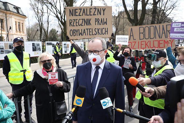 Trybunał Konstytucyjny decyduje o losie Rzecznika Praw Obywatelskich. Sprawę skomentował Donald Tusk