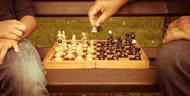 Jak brydż i szachy wpływają na nasz umysł?
