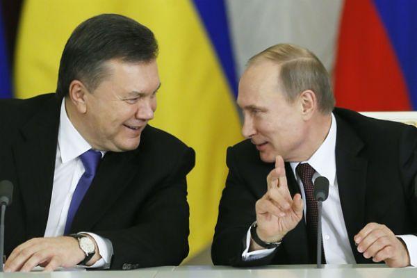 Wiktor Janukowycz (z lewej) i Władimir Putin (z prawej)