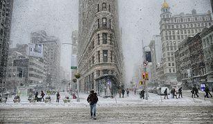 Nowojorczycy w ostatnich tygodniach nie tylko musieli oswoić się ze śnieżycami, ale też z ekstremalnie niską temperaturą, która sięgała -28 st. C