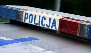 Warszawa. Zranił nożem sprzedawcę w Żabce. Szuka go policja