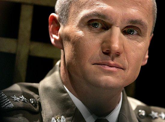 Polscy żołnierze walczą, a reszta sił NATO siedzi w bazach