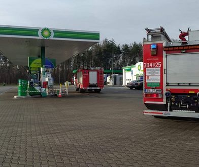 Łódź. Rozszczelnienie dystrybutora gazu na stacji paliw