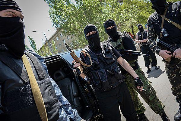 Separatyści w Doniecku rozpoczęli szturm na jednostkę wojskową