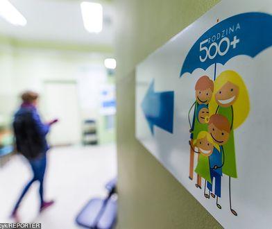 Rodzina 500 plus. Są jeszcze w Polsce matki,  które nie dostały decyzji na pierwsze dziecko