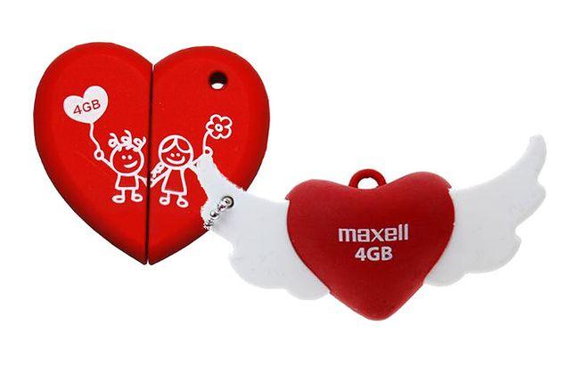 Pendrive'y Maxell Love na Walentynki
