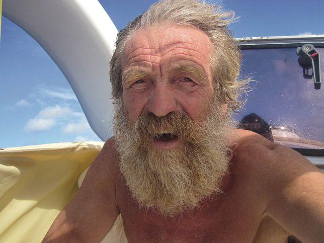 Aleksander Doba dryfuje po oceanie. Potrzebuje pomocy