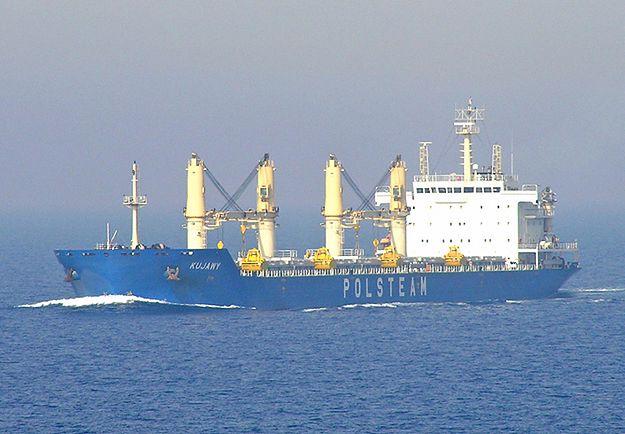 """Akcja ratunkowa na morzu Karaibskim. Polski statek MS """"Kujawy"""" uratował trzech mężczyzn"""