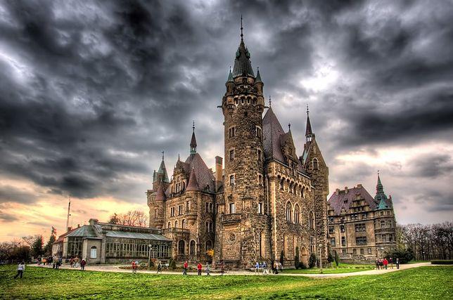 Atrakcje Opolszczyzny - zamek w Mosznej