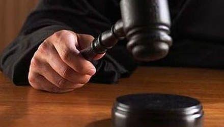 Rehabilitantka oskarżona o złamanie nóg pacjentowi