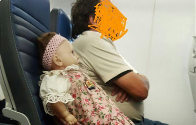 Wykupił bilet na lot dla... lalki. Lalka o imieniu Barbara siedziała w samolocie jak normalny pasażer