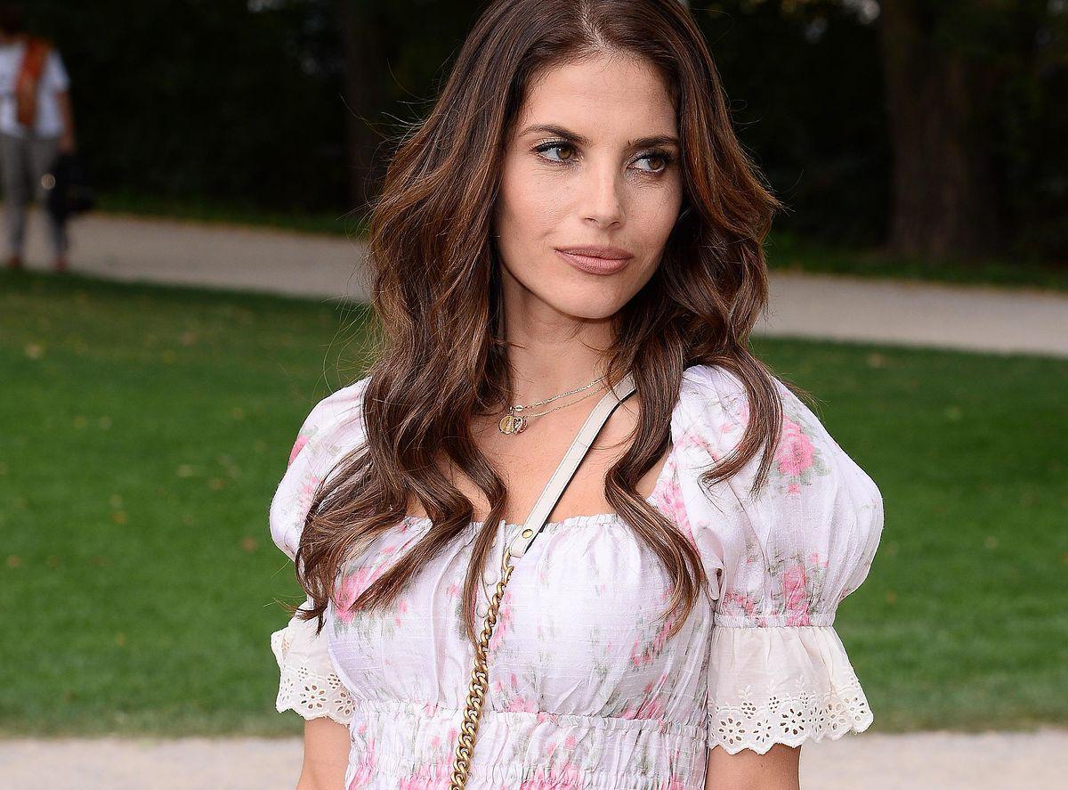 Weronika Rosati w sukni ślubnej. Przepiękna!
