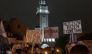 Protesty w Polsce. Bielsko-Biała. Wierni bronili wejścia do katedry