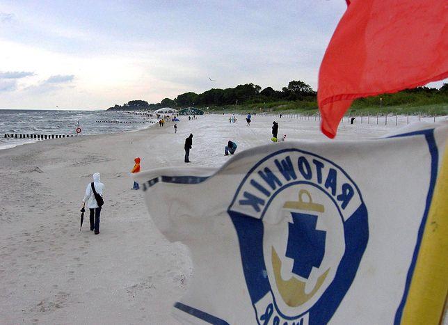 W ten weekend wielu turystów na plaże wychodziło w kurtkach