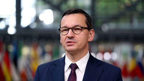 """Morawiecki ostrzega przed """"nierzetelnymi dostawcami"""" sieci 5G"""