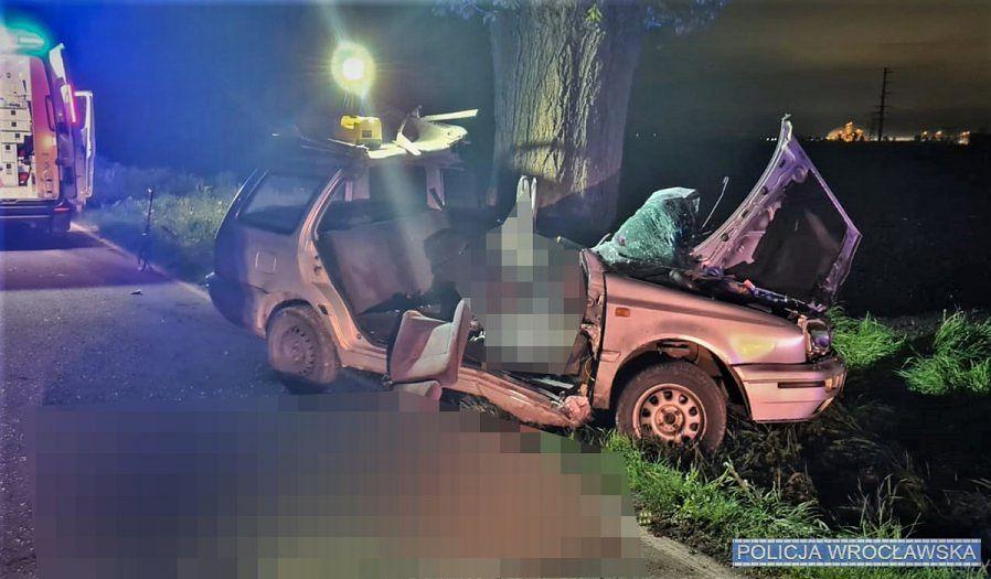 Wrocław. Fatalny wypadek. Nie żyje kierowca