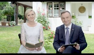 """Narodowe Czytanie """"Wesela"""" w Ogrodzie Saskim. Relacja na żywo"""