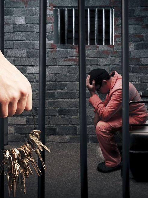 8 osób, które siedziały w więzieniu przez pomyłkę