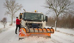 Utrudnienia na drogach, autobusy PKS stoją w korku na Suwalszczyźnie