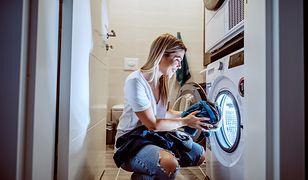 Zostań jedną z 50 testerek proszków do prania Vizir Większa Siła Odplamiania