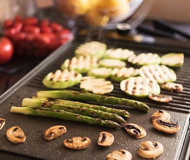 Grillowane mięsa połącz z wolno opiekanymi warzywami i serami