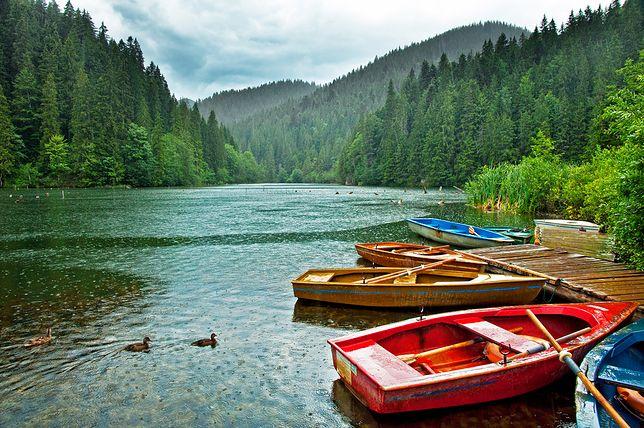 Słynne Jezioro Czerwone w Transylwanii.