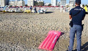 Policjant na plaży w Rimini, na której doszło do brutalnego gwałtu