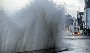 Atlantyk zagraża francuskiemu wybrzeżu