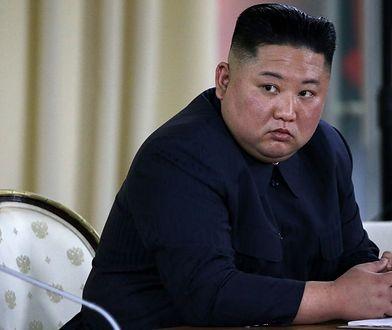 Korea Północna znowu straszy. Kim Dzong Un pokazał nowe rakiety balistyczne