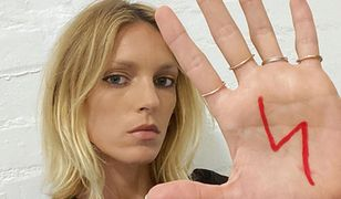 Anja Rubik wspierająca protesty kobiet