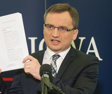 """Trzaskowski komentuje decyzję Ziobry. """"Powinni dostać wielki medal od pana Putina"""""""