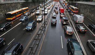 Warszawa tylko dla wybranych aut. Jakim samochodem nie wjedziesz?
