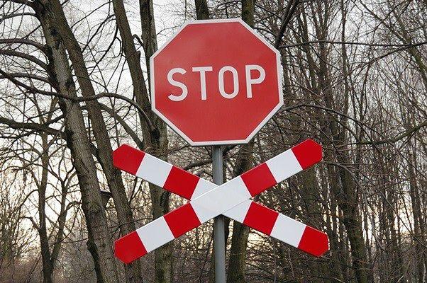 """Tragiczny wypadek na przejeździe przy stacji PKP Błonie. """"Rowerzysta zginął na miejscu"""""""