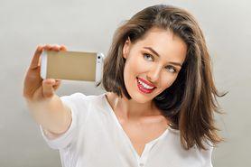 Selfie wpływa na zwiększoną liczbę operacji plastycznych. O co chodzi? (WIDEO)