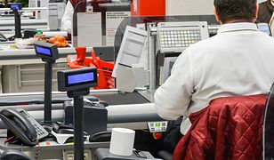 """Carrefour daje podwyżki pracownikom. """"Do Lidla czy Biedronki daleko"""""""