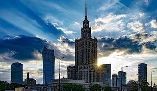 Prawie 10 mln turystów w stolicy. Sprawdź, kto najchętniej odwiedza Warszawę