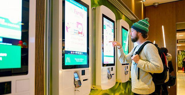 Na ekranach dotykowych w McDonald's znaleziono baraterie kałowe