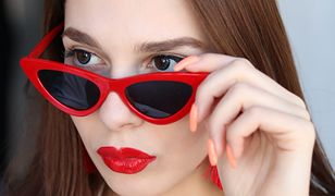 Okulary przeciwsłoneczne, w których twarz wygląda szczuplej. Wybierz idealny model dla siebie
