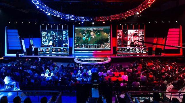 """E-sportowy turniej w grę """"League of Legends"""""""