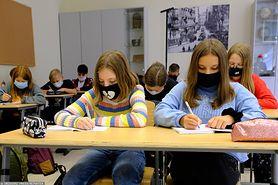 """Koronawirus w Polsce. """"W szkołach i przedszkolach absurd goni absurd""""- mówią rodzice"""