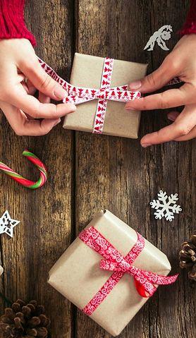 Jak kupić trafiony prezent i nie zbankrutować? Są na to sposoby
